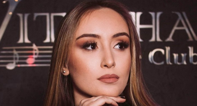 Дара Екимова за първи път, на живо, изпълнява песни на баща си - Дими
