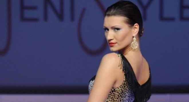 Гаврят се с  Виктория Джумпарова за новите й вежди: Приличаш на Чичолина!