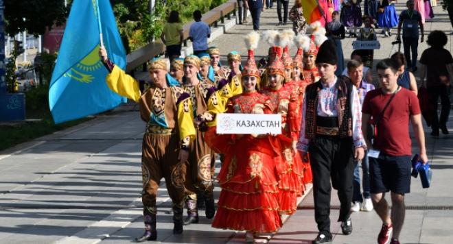 5 дни танци от 5 континента и повече от 25