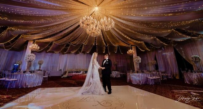 Кристали, диаманти и 30 000 бели рози на изящната сватба на г-н и г-жа Мурути