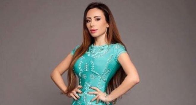 Мисис България Мариана Маринова с договор за работа в Ms&Mrs Earth