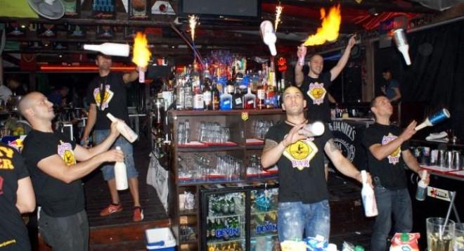 Шоу на бармани взриви Слънчев бряг (видео)