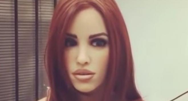 Първата говореща секс кукла може дори да се влюби (Видео)