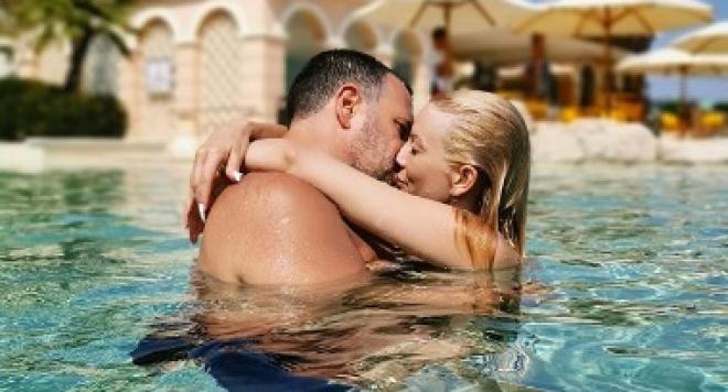 Емилия и Жорж Башур на романтична почивка в Турция