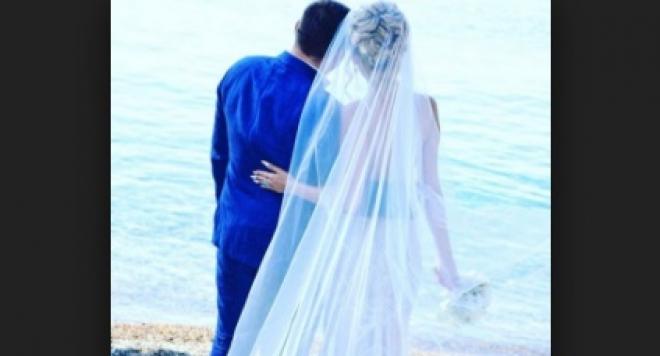 Тоца бързала да организира сватбата, защото е бременна