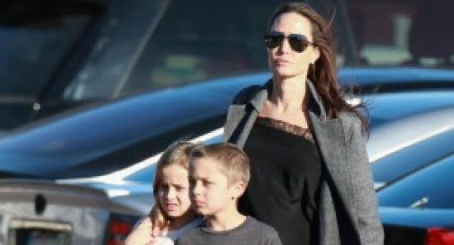 Ето кой смени Брад Пит в леглото на Анджелина Джоли (СНИМКИ)