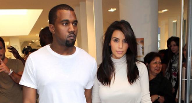 ШОК: Кание Уест снима чисто голата Ким Кардашиян в мега унизителна поза (ФОТО 18+)