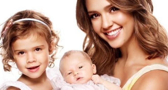 Джесика Алба стана майка за трети път (Снимки)