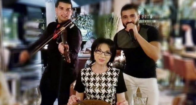 Цветанка Ризова се забавлява с чалга, журналистката нарушава законаи пуши