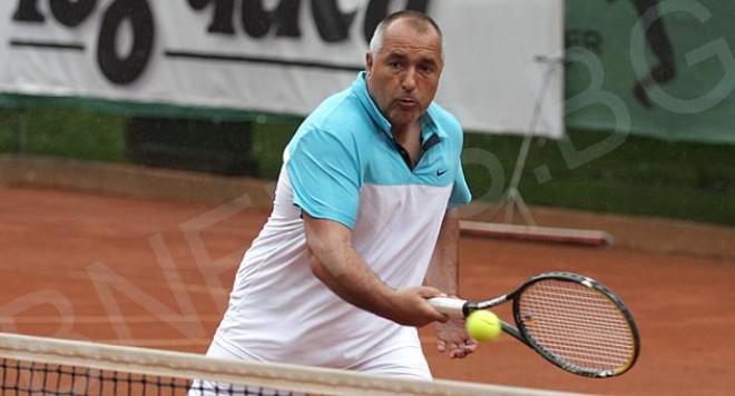 Бойко пак бие...този път на тенис! (видео)