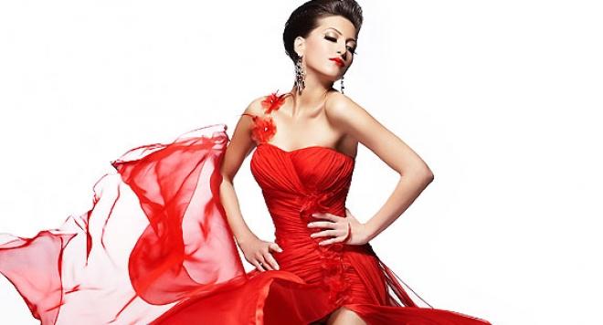 Ромина Тасевска проби като модел в Тайланд