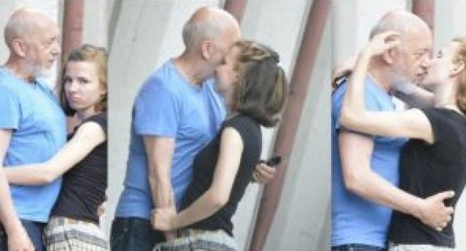 Театрални златотърсачки напират  да стават любовници на 66-годишния Стоян Алексиев