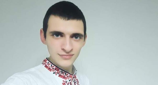 Денис Махуров подготвя песен с оркестър 9/8-ми