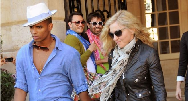 Мадона захапа Лейди Гага в песен