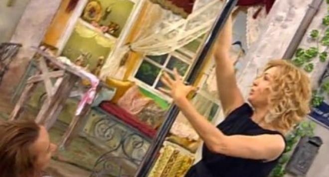 Гала изтезава зрителите с въшки