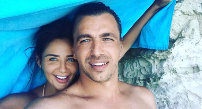 Елен Колева се мести в Кипър, май чака бебе