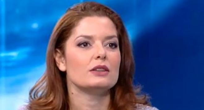 Алекс Сърчаджиева изхвърлена като парцал от Нова, наричали я стара, дебела и грозна