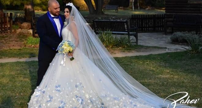 Първи снимки от сватбата на Софи Маринова