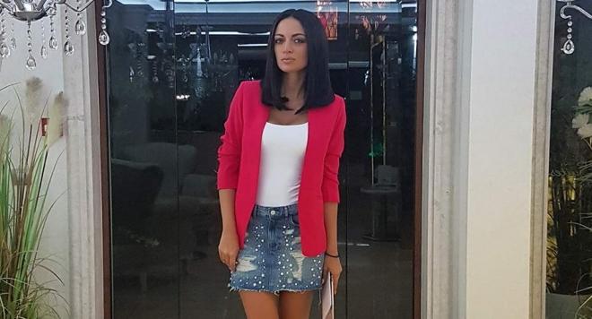 Репортерката на Папараци търси Супер модел на лятото