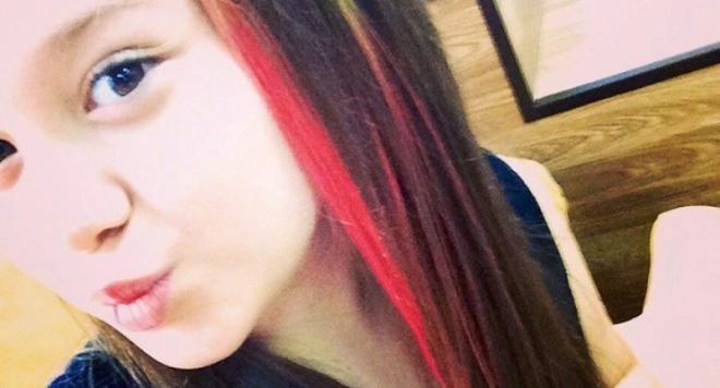 Щерката на Анелия си боядиса косата