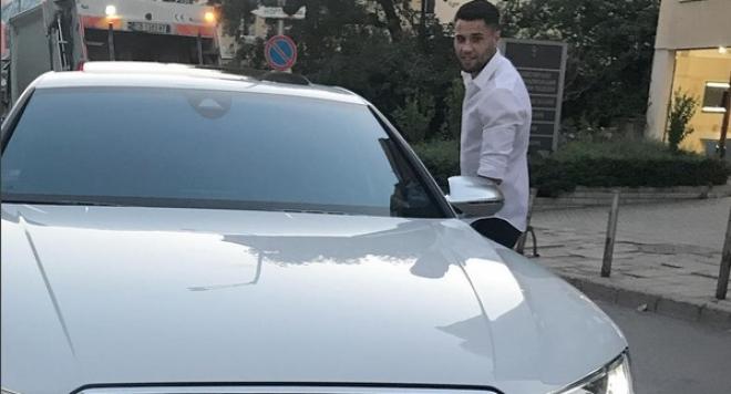 Деси Слава зарадва младото си гадже с кола за 160 бона
