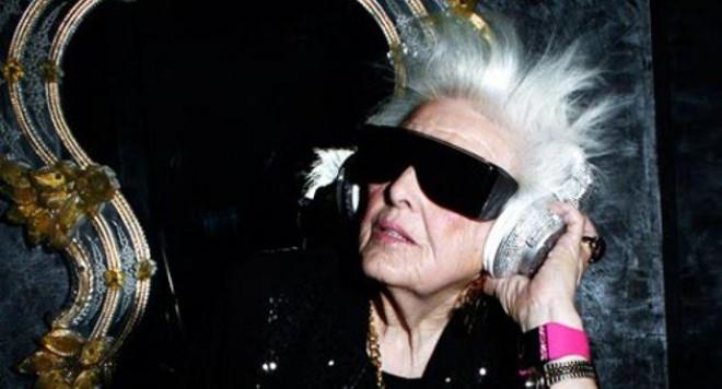 Баба DJ покорява Франция