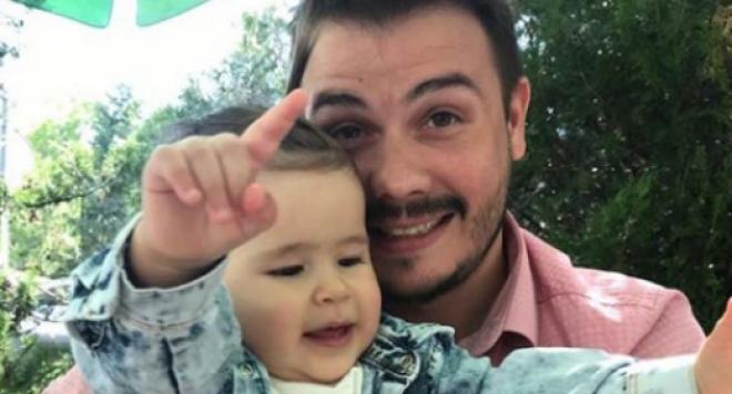 Цецо Тотото не отиде на кръщенето и първия рожден ден на дъщеря си