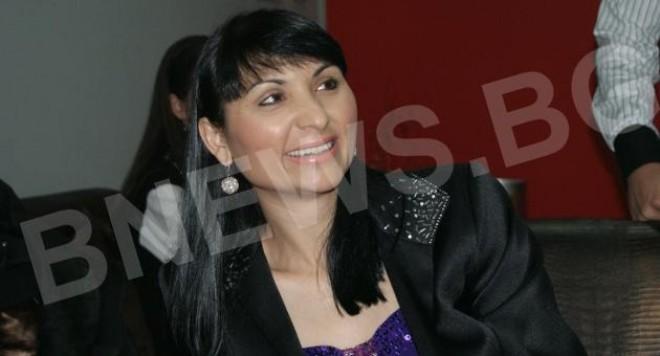 Софи Маринова: С Дачо все още мачкаме чаршафите