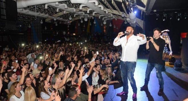 Истерия по Азис в Турция! Певецът се похвали: Не пея като колегите си без пари по събори и панаири (ВИДЕО)