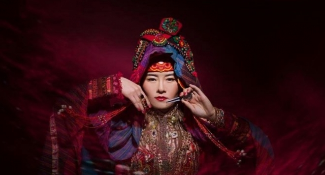 """Концерт с уникалното монголско гърлено пеене в Театър """"Азарян"""""""