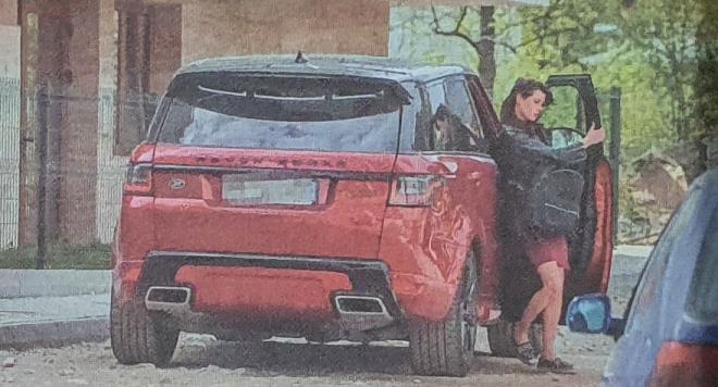 Мис България забогатя в кризата, юрка джип, купува си нов апартамент...