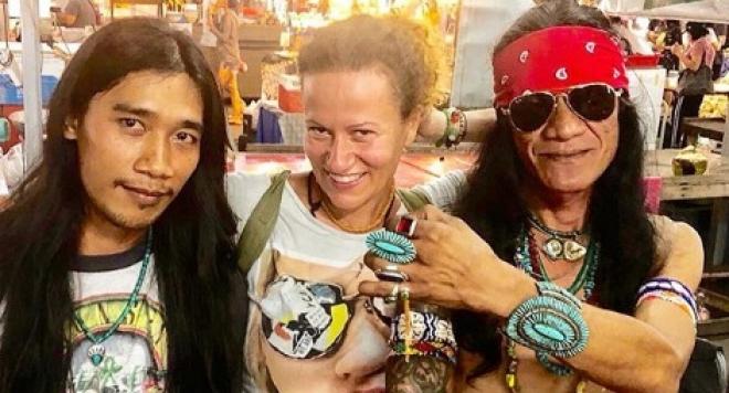Певицата Белослава стана професионална готвачка в Тайланд
