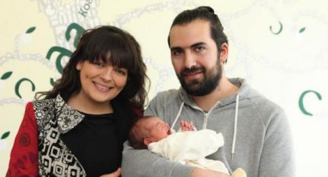 Стойка Пипирудата стана майка на момиченце