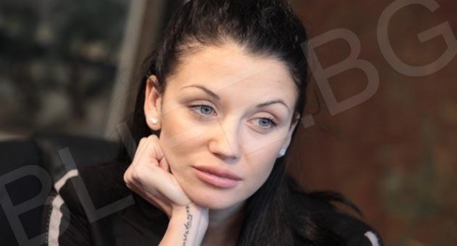 Няма да я познаете! Шокиращи снимки на някогашната красавица Диляна Попова