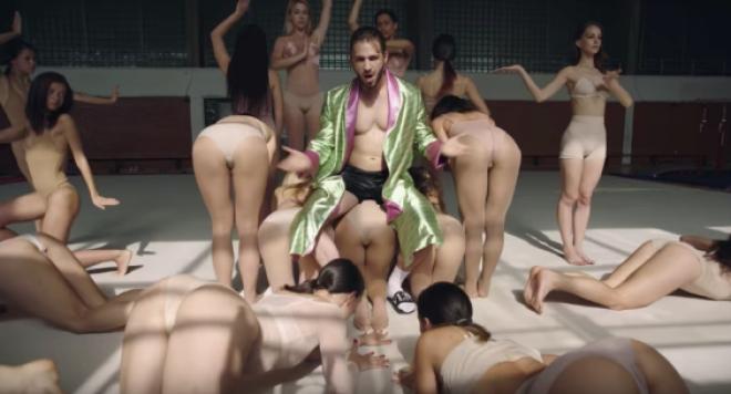 Фенове попиляха новото парче на Папи Ханс: Най-тъпата и безсмислена песен ever!