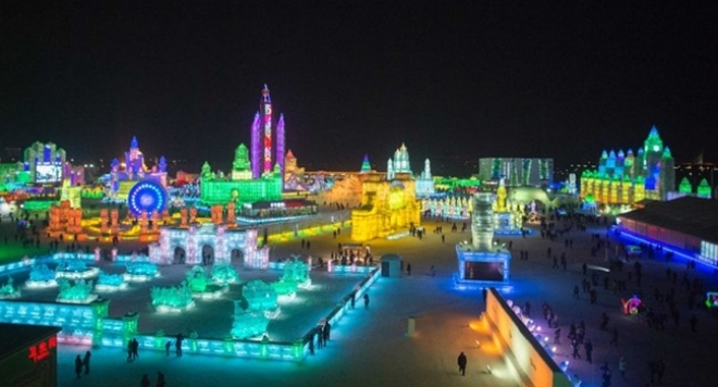 Уникални СНИМКИ и ВИДЕО от Ледения фестивал в Китай