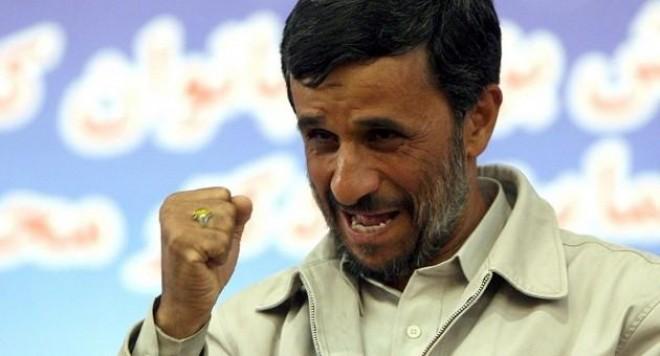 Красавица се влюби в Ахмадинеджад