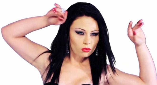 Александра - новата звезда на попфолка /видео/