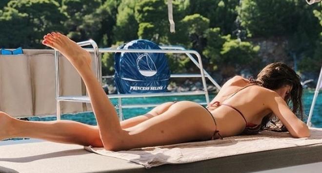 Депутатска съпруга лъсна по прашки в Дубровник