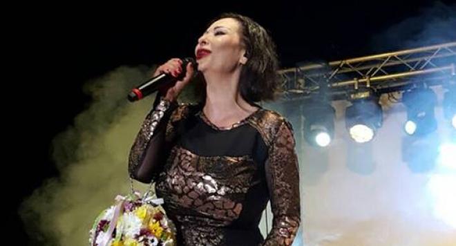 Звездата от поп сцената бе първата жена в България, която