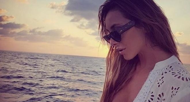 Деси Зидарова обикаля света на яхта с милионер
