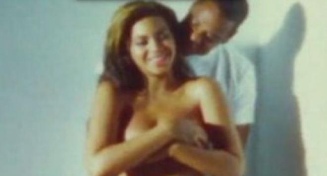 И Бионсе се показа бременна и гола