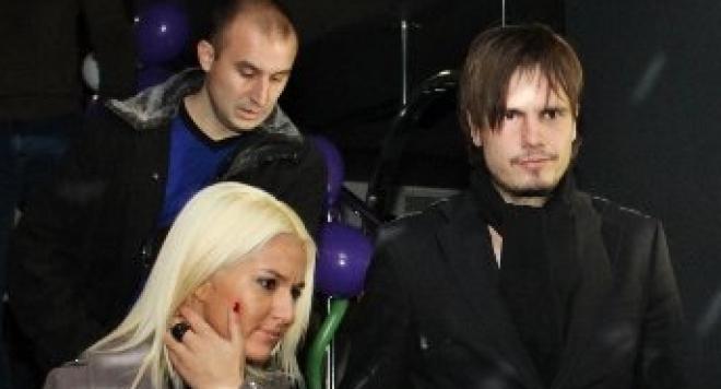Симона Първанова флитрува с бившия си