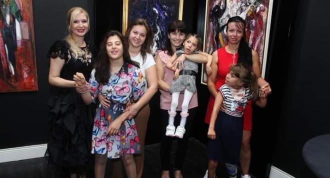 Тв водещата Нина Хамилтън дари 2000 лева от благотворителен рожден ден