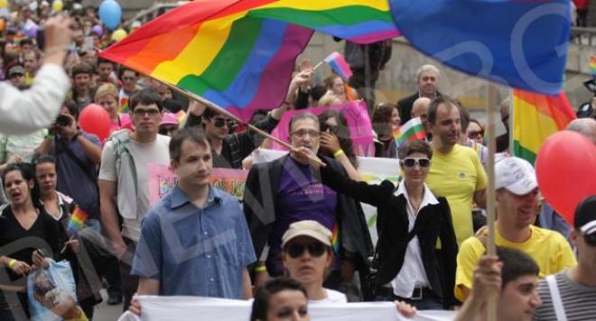 Над 700 на гей парада, 300 полицаи го опазиха от ексцесии(видео)