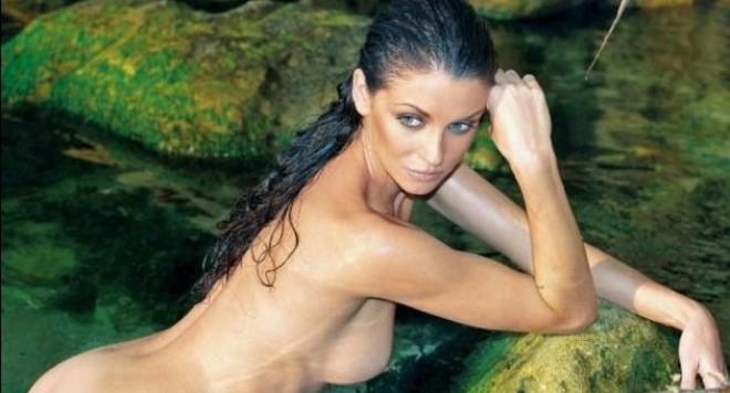 Диляна Попова изгря голичка на корицата на Плейбой