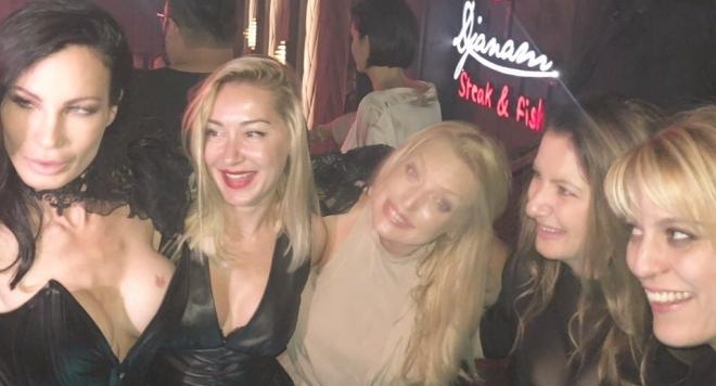 Моминското парти на Цеца Куршума без старите дружки (Снимки)