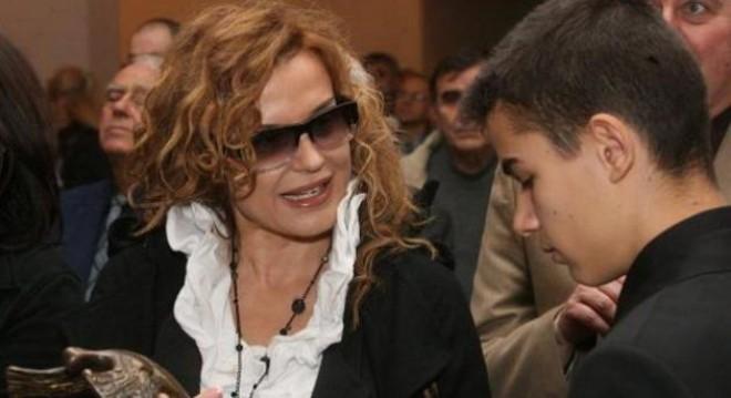 Синът на Аня Пенчева спечели Европейското по мотокрос