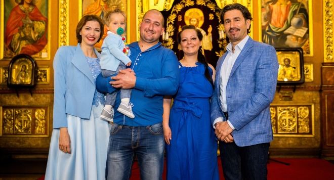 Малкият Калоян бе кръстен от Яна и нейния съпруг, а