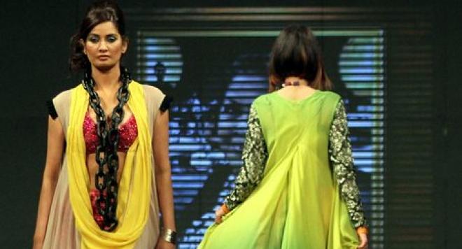 Пакистанската мода - феерия от цветове /снимки/